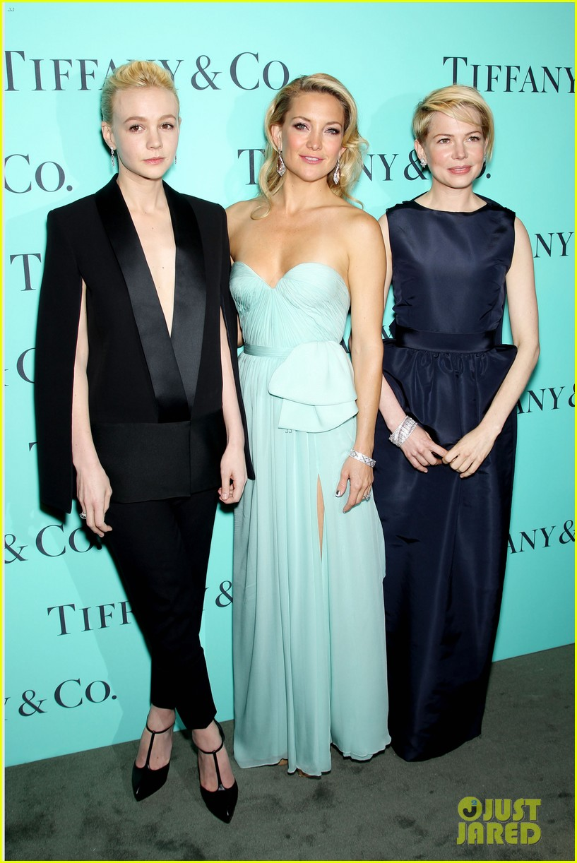 kate hudson carey mulligan tiffany blue book gala 23