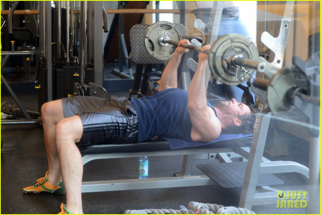 hugh jackman bulging bicep workout 07