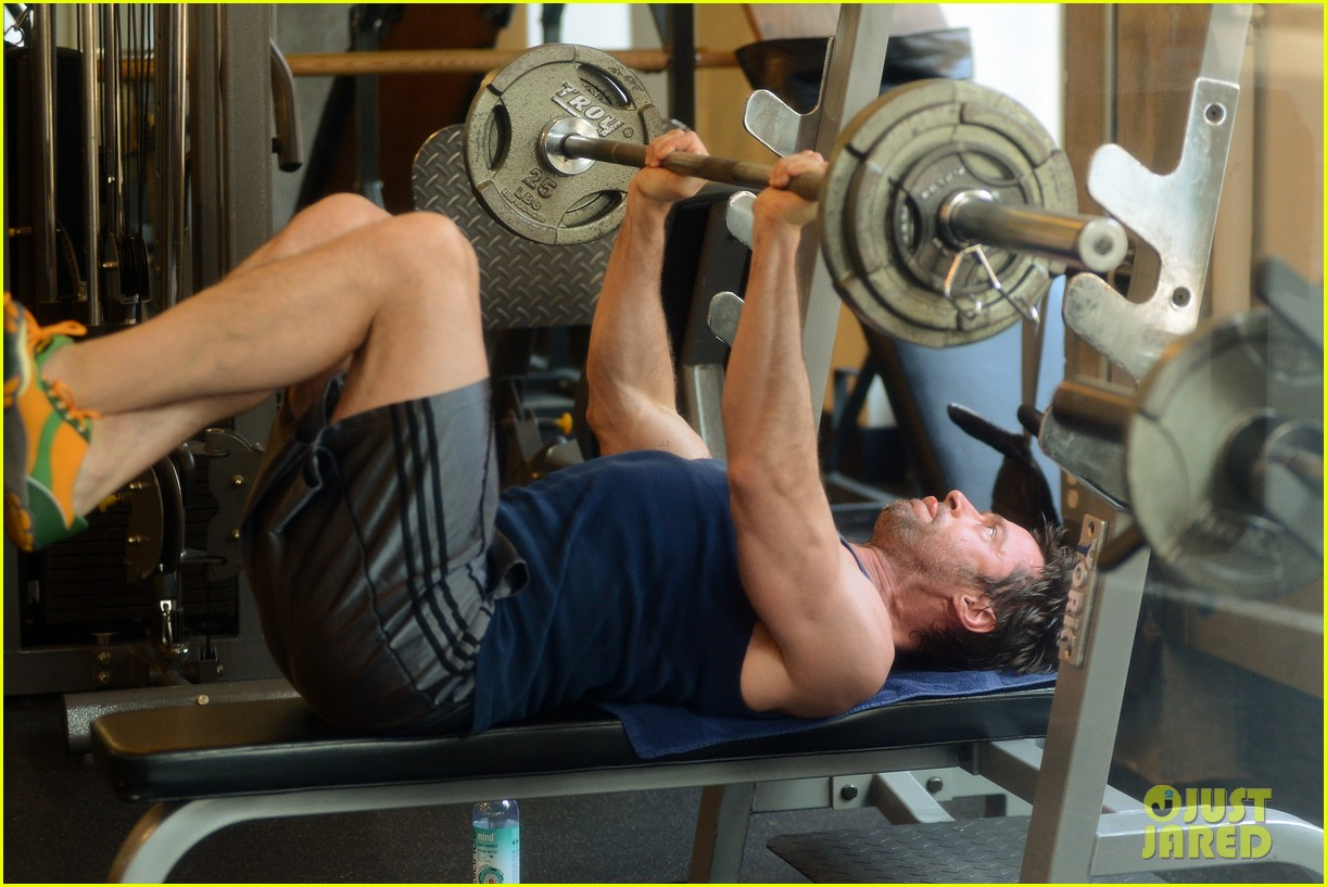 hugh jackman bulging bicep workout 09