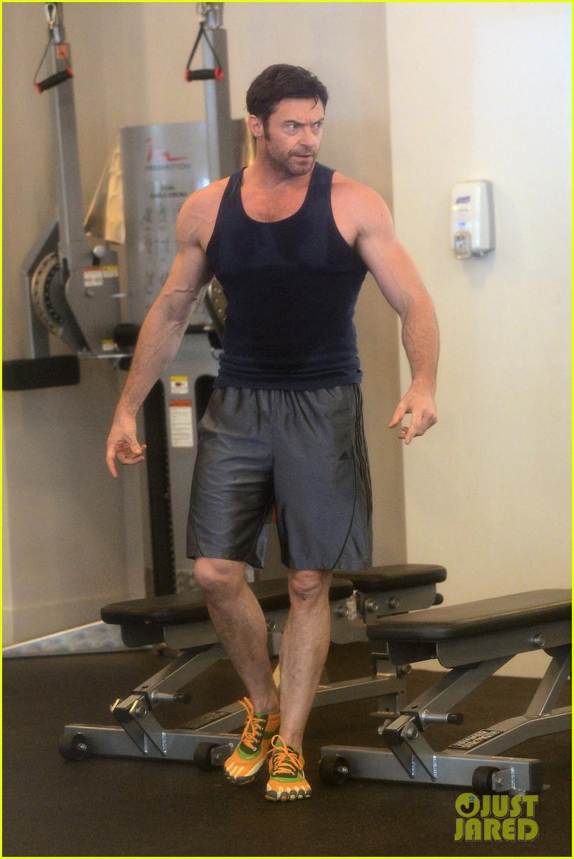 hugh jackman bulging bicep workout 17
