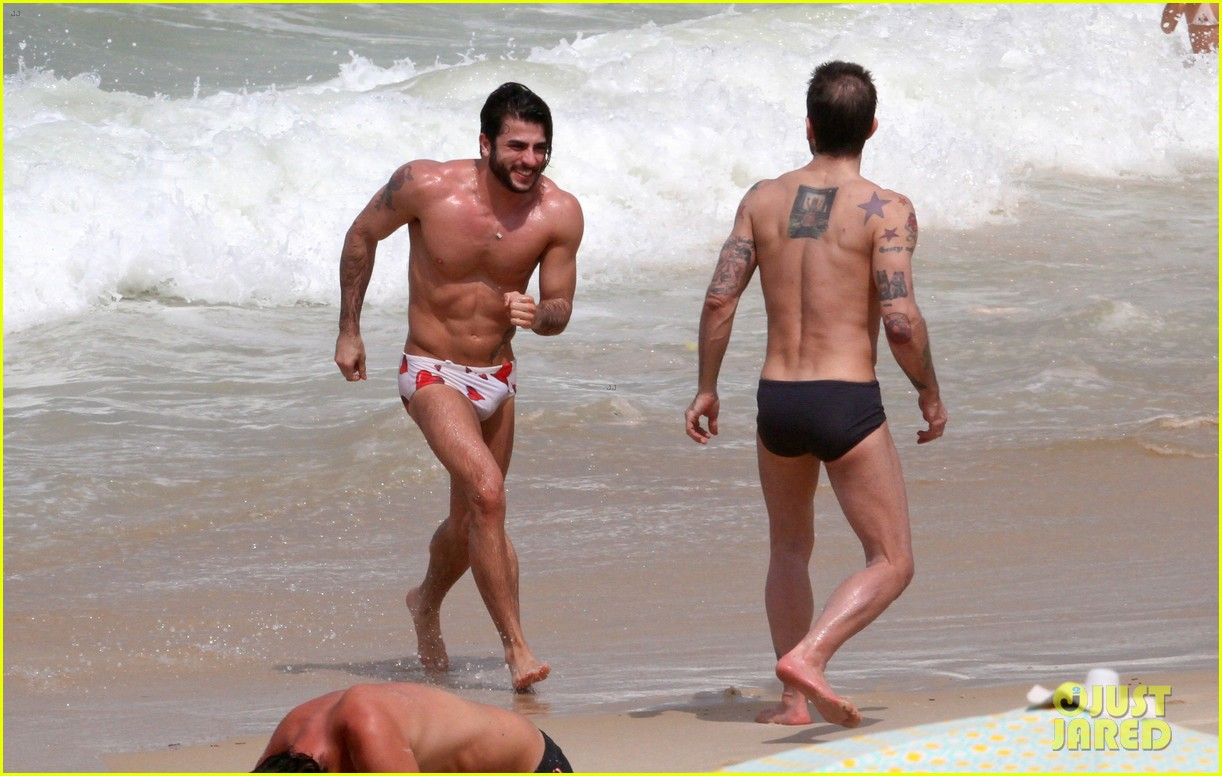 marc jacobs harry louis shirtless speedo pda in rio 102845402
