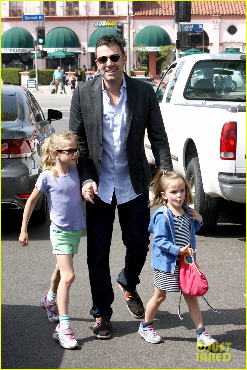 ben affleck jennifer garner track meet with the girls 14