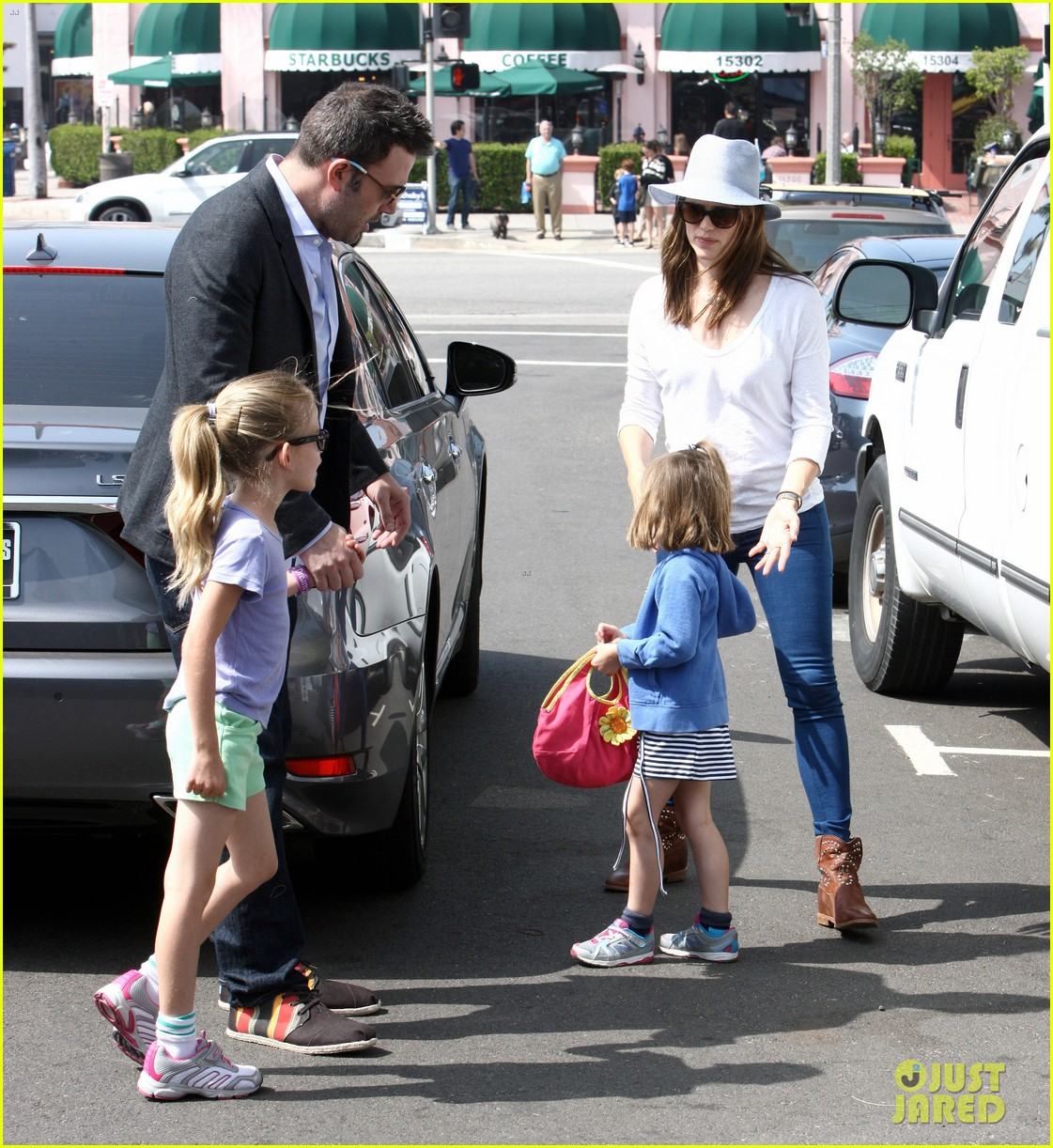 ben affleck jennifer garner track meet with the girls 18