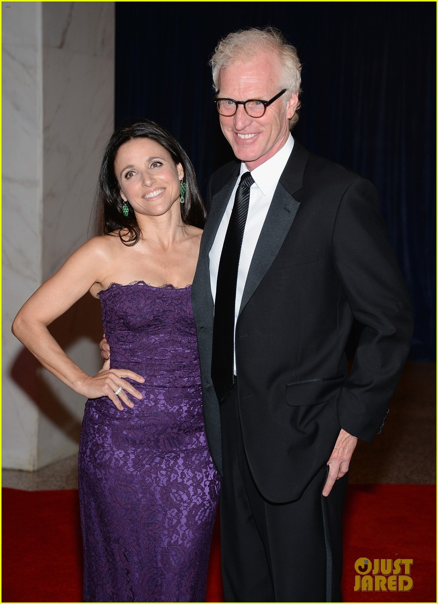 Julia louis dreyfus white house correspondents 39 dinner for Where did julia louis dreyfus go to college