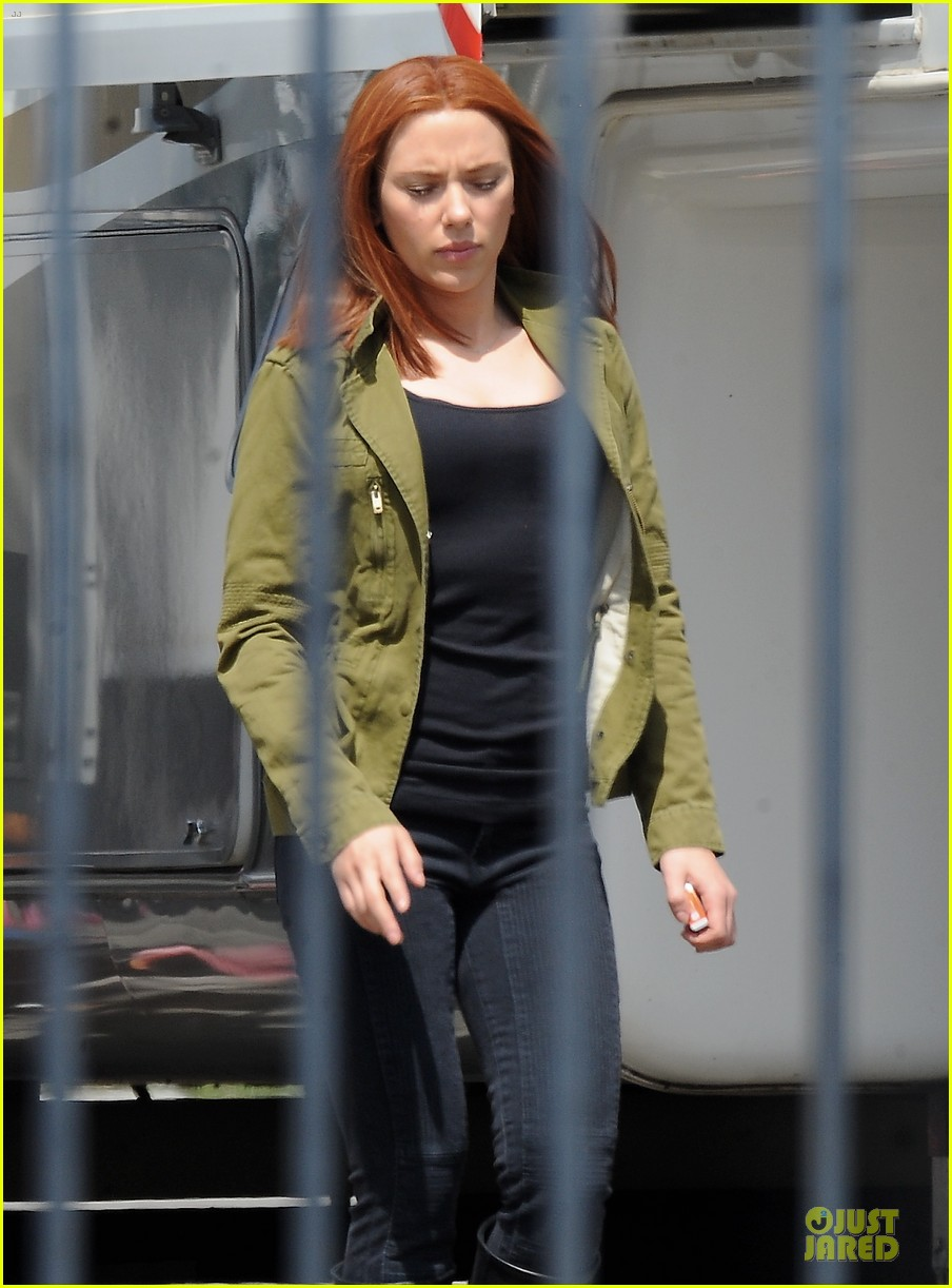 scarlett johannson red hair on captain america the winter soldier set 102856691