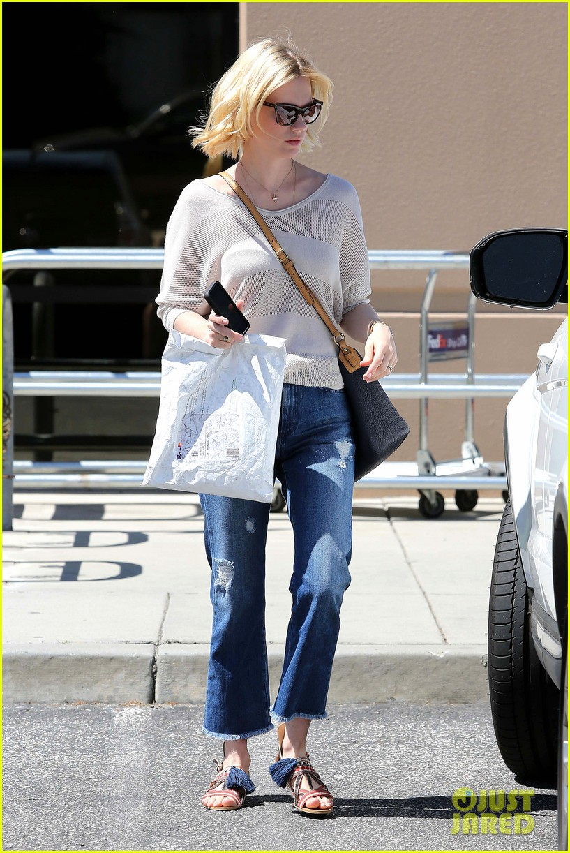 january jones friday fedex stop 27