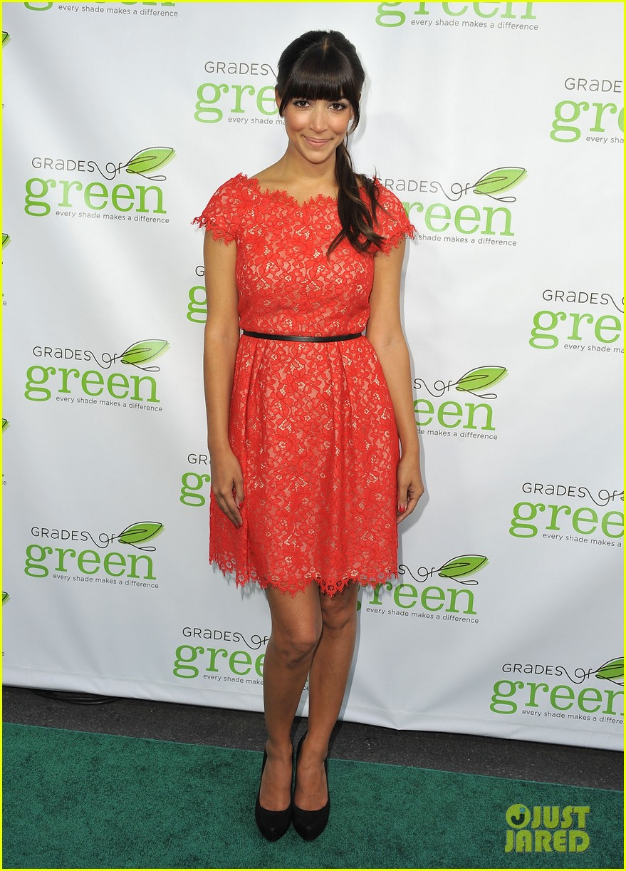 mindy kaling darren criss verde grades of green fundraiser 032848180
