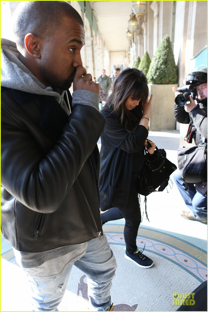kanye west kim kardashian pregnant paris departure after easter weekend 09