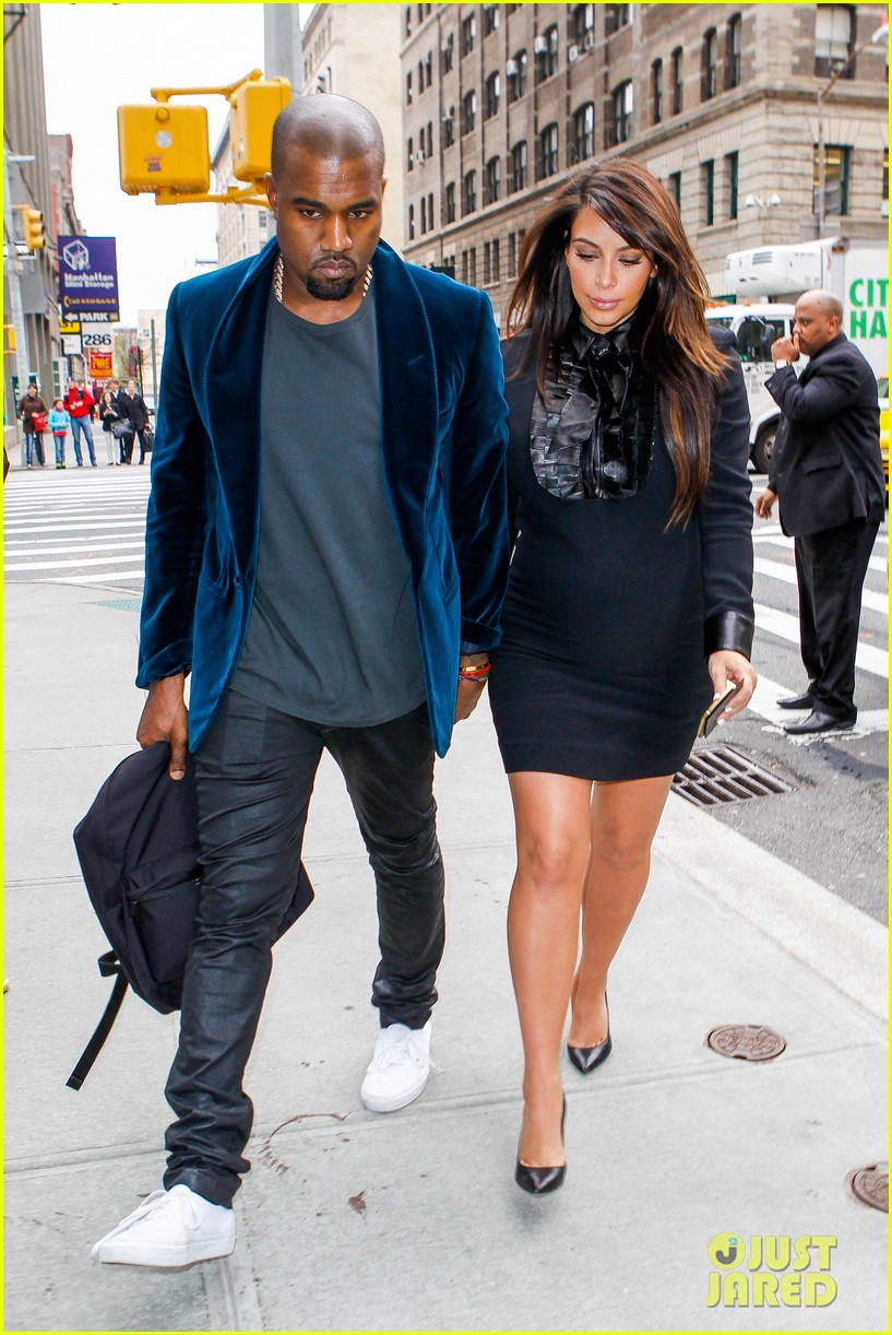 kim kardashian kanye west hold hands in nyc 09