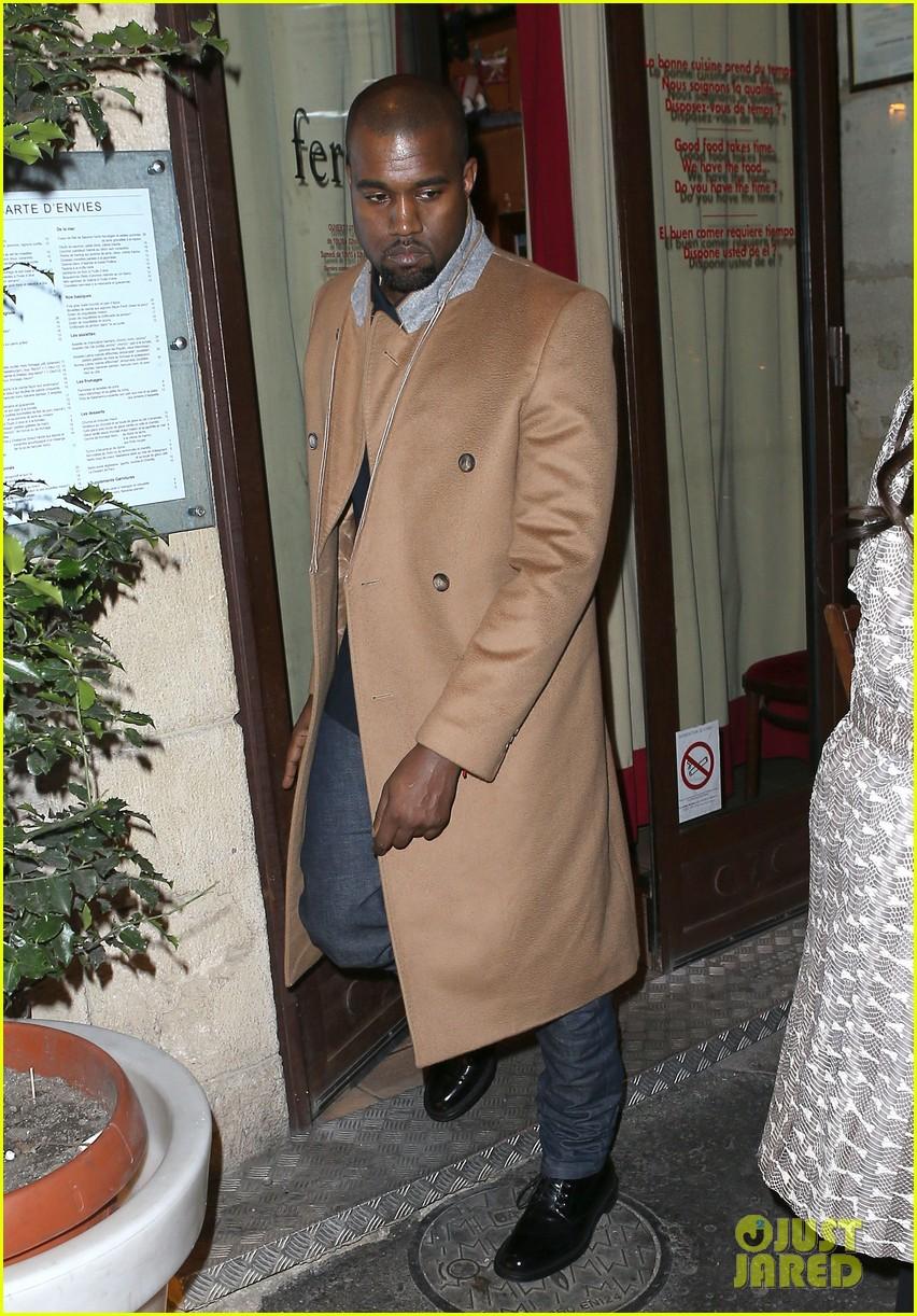 kim kardashian pregnant paris getaway with kanye west 03