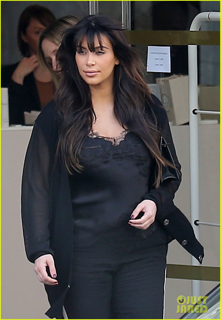 kim kardashian pregnant paris getaway with kanye west 18