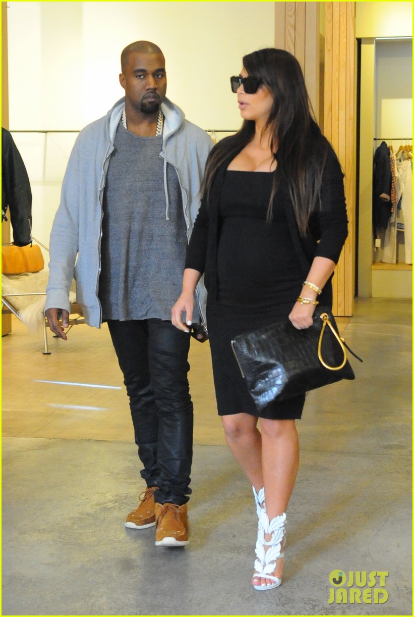 pregnant kim kardashian kanye west reunite in nyc 15