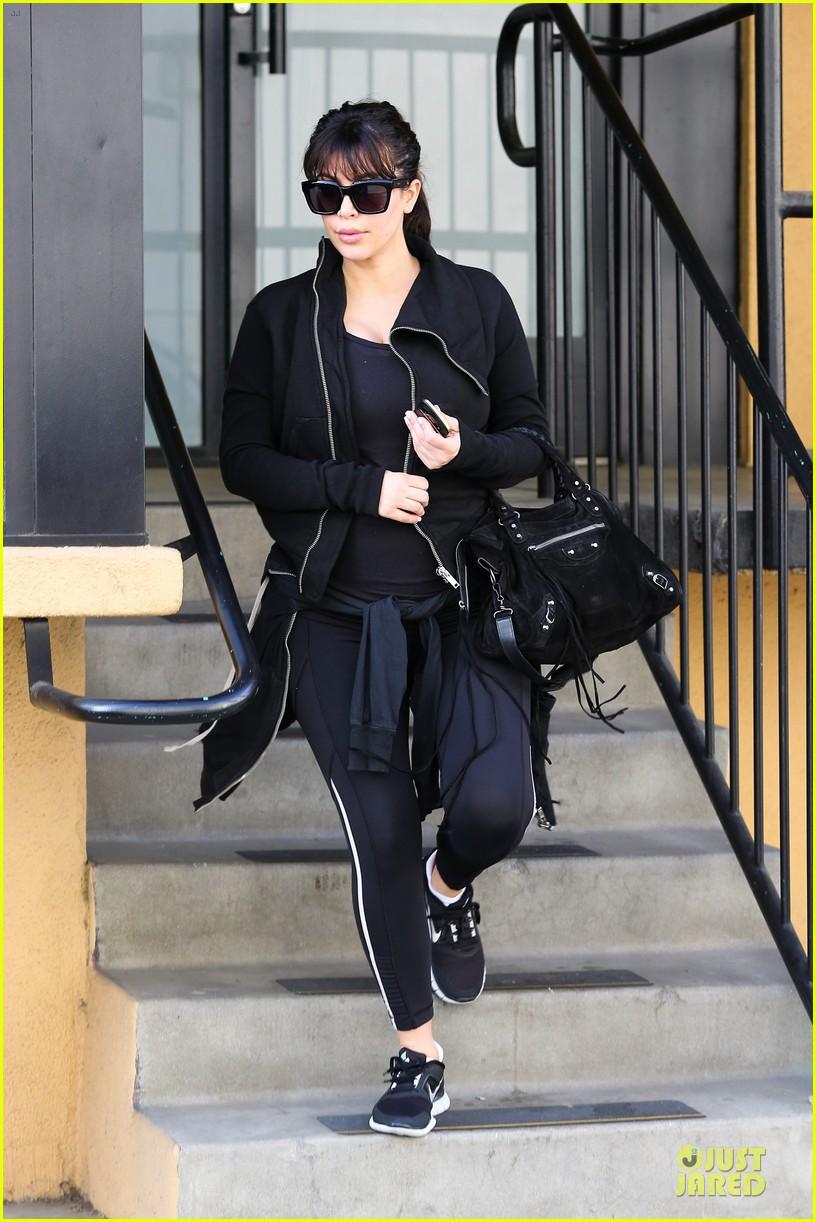 kim kardashian pregnant brentwood workout 05