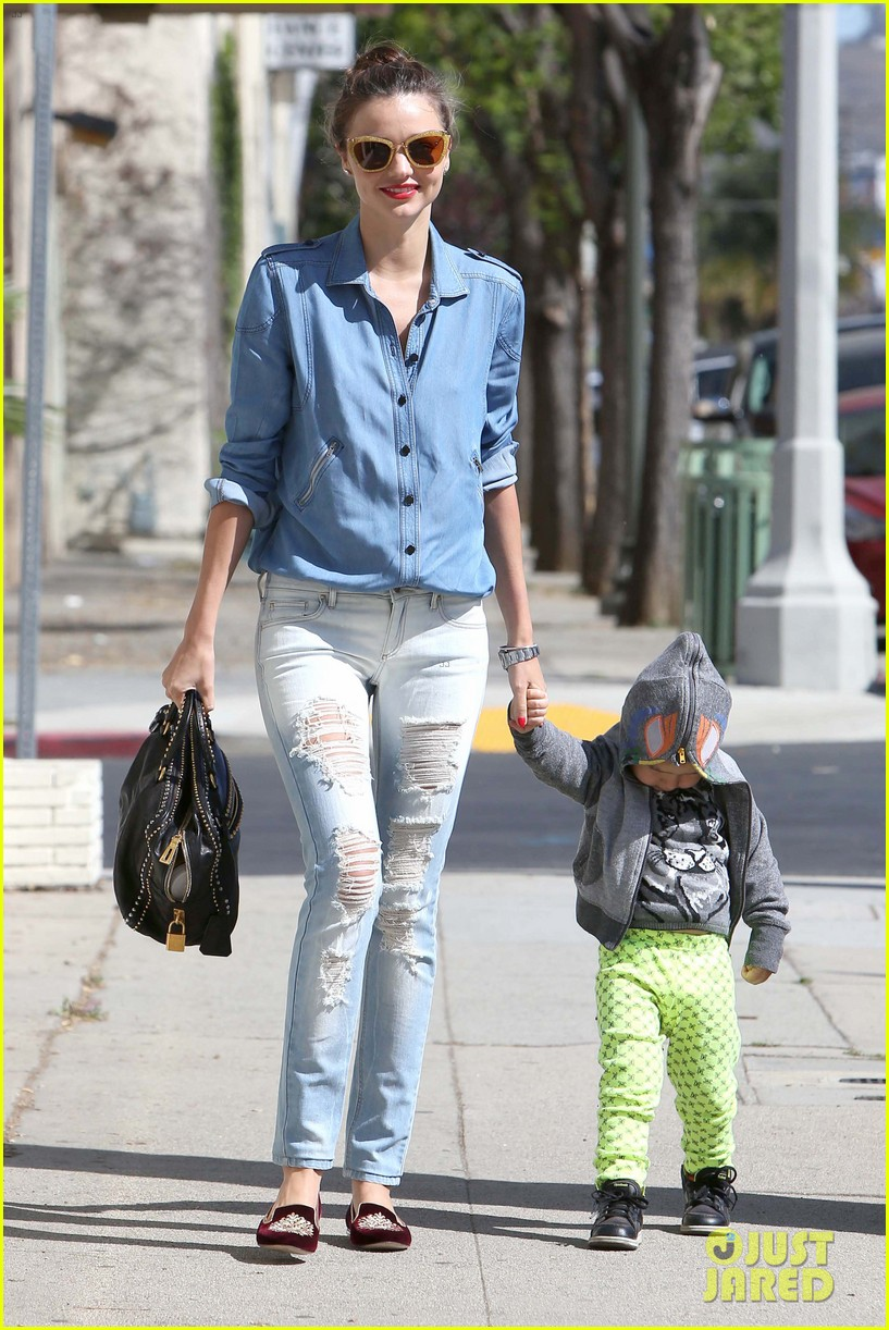 miranda kerr flynn romp around at kids gym 062845568