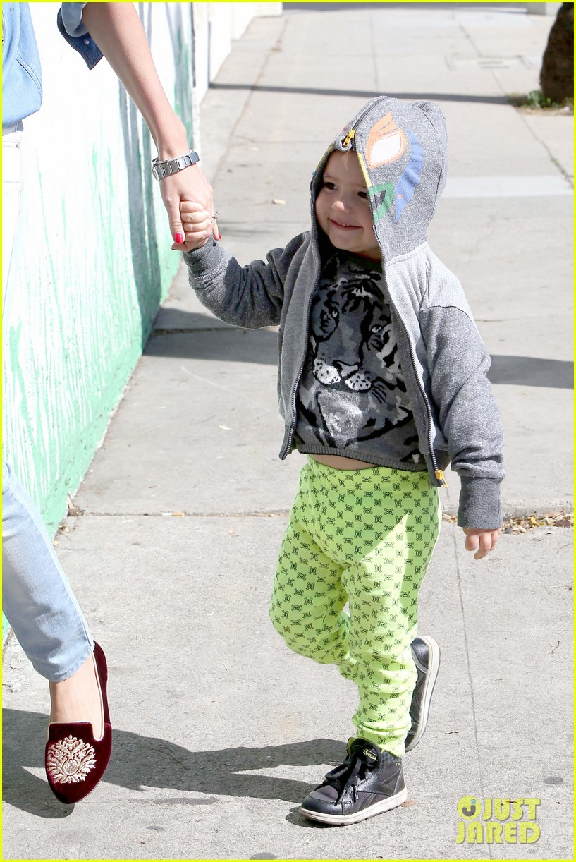 miranda kerr flynn romp around at kids gym 102845572
