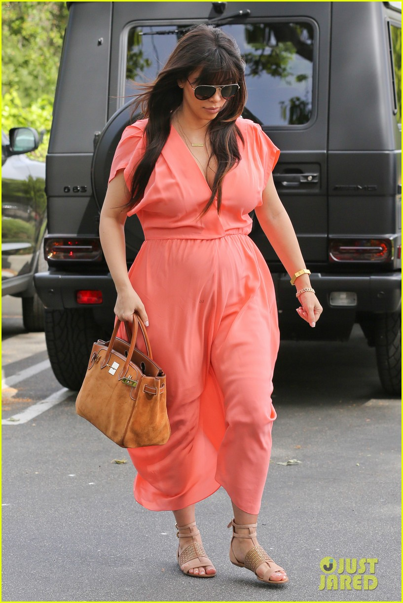 pregnant kim kardashian sunday family church service 262844949