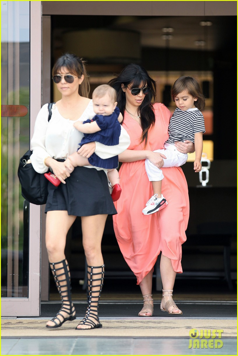 pregnant kim kardashian sunday family church service 40
