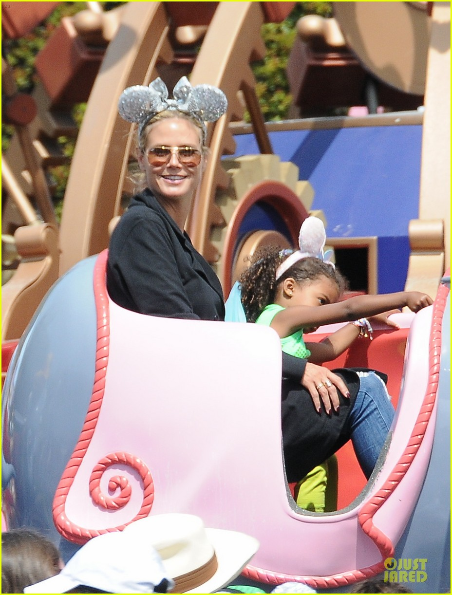 heidi klum martin kirsten disneyland fun with the kids 02