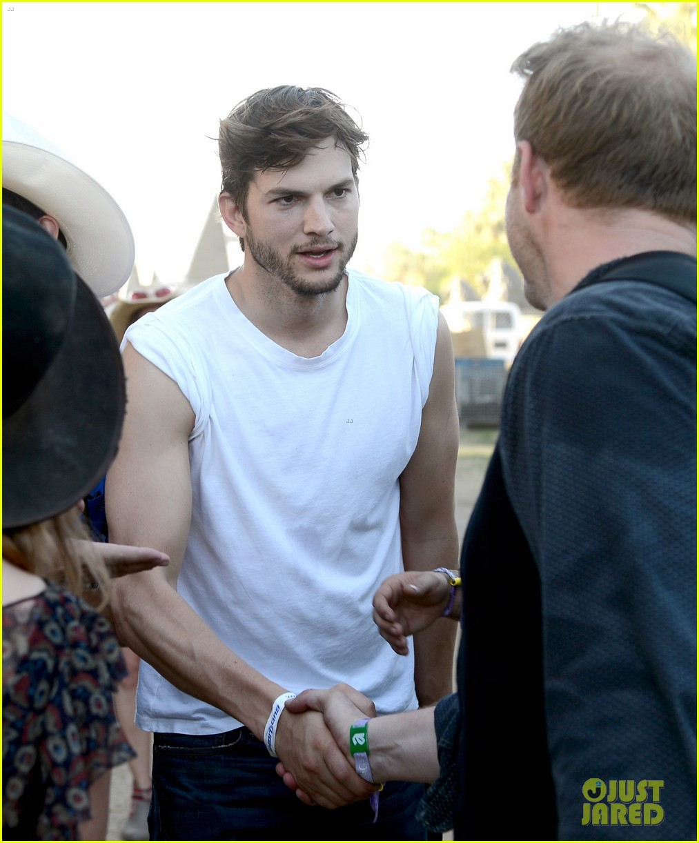 ashton kutcher involved in violent fight at stagecoach festival 02