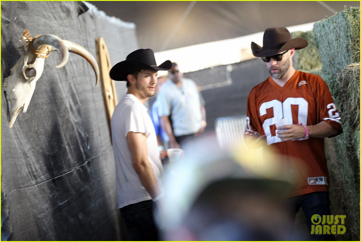 ashton kutcher involved in violent fight at stagecoach festival 09
