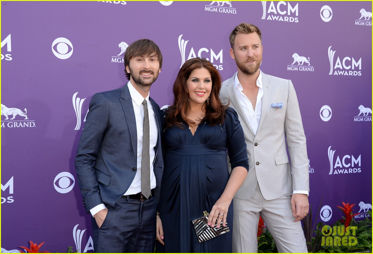 lady antebellum acm awards 2013 red carpet 022845070