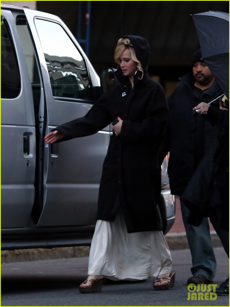 jennifer lawrence bradley cooper abscam night shoot 142842899