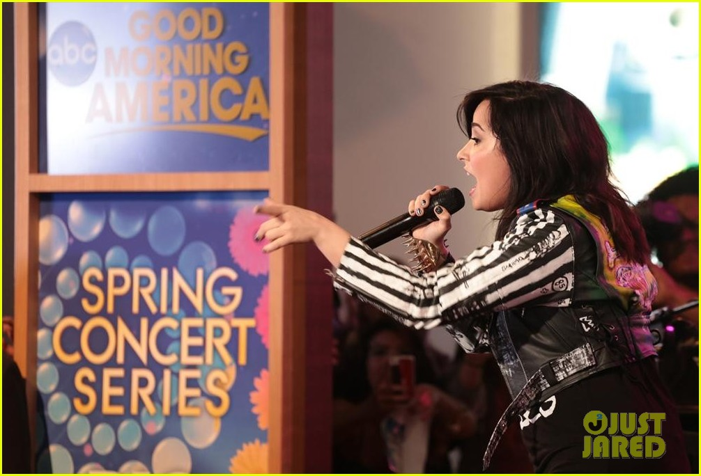 demi lovato heart attack on gma watch now 10