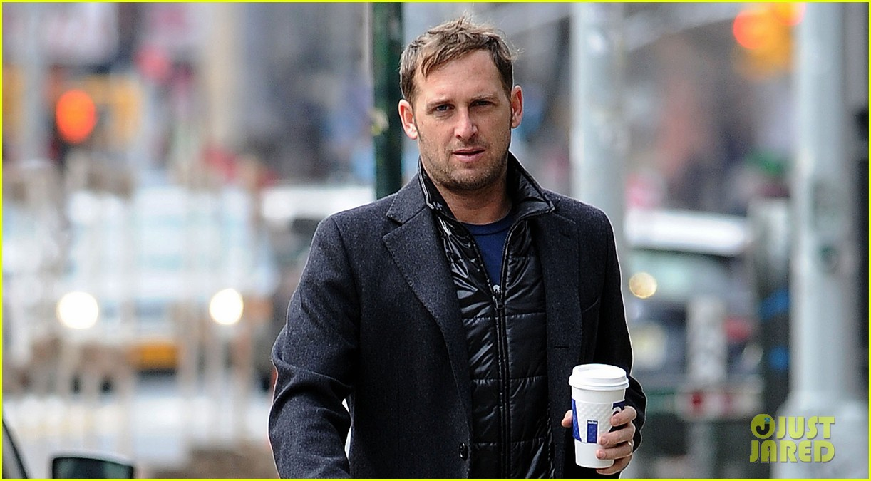 josh lucas manhattan afternoon with noah 05