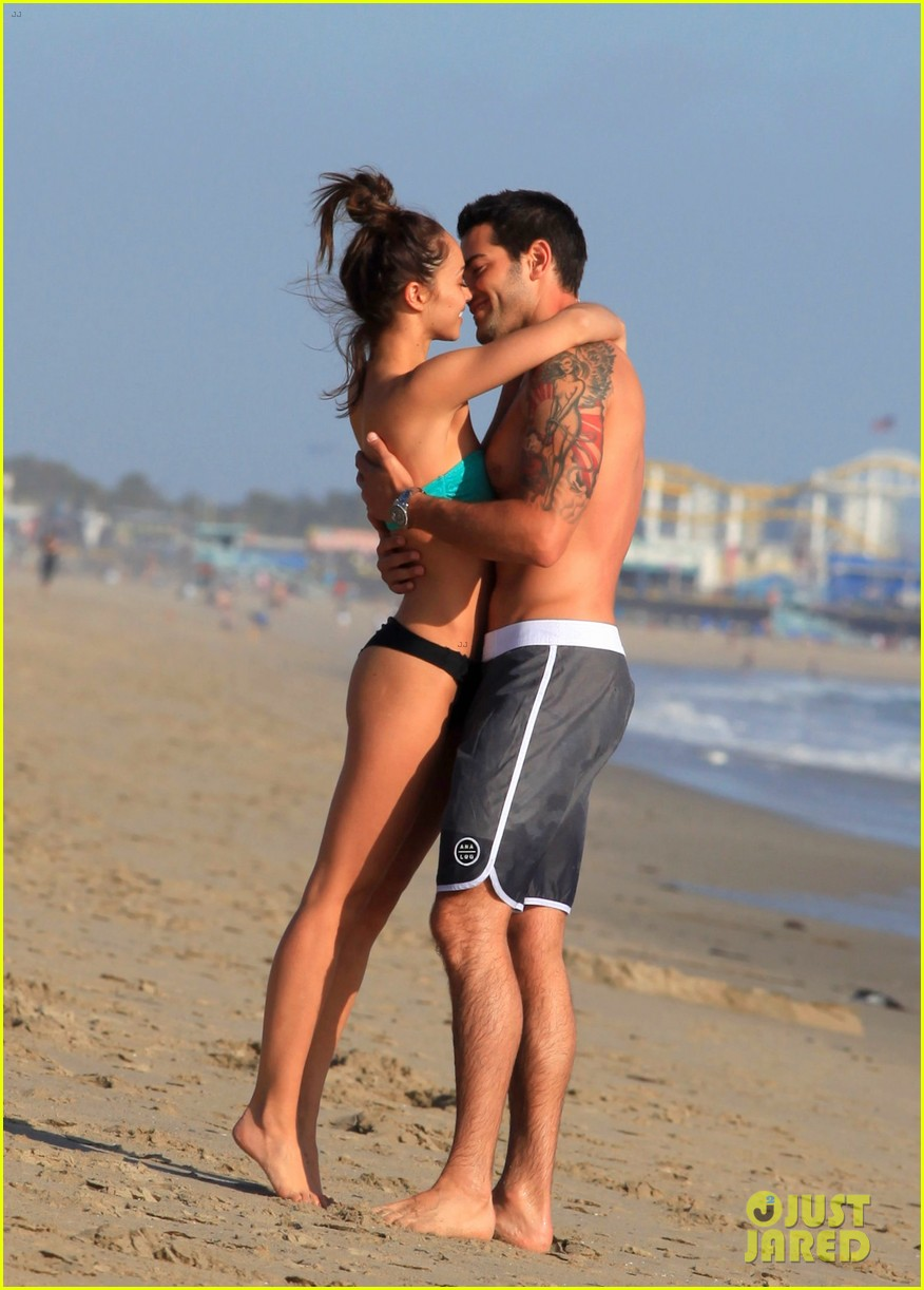jesse metcalfe shirtless six pack beach stud 242860646
