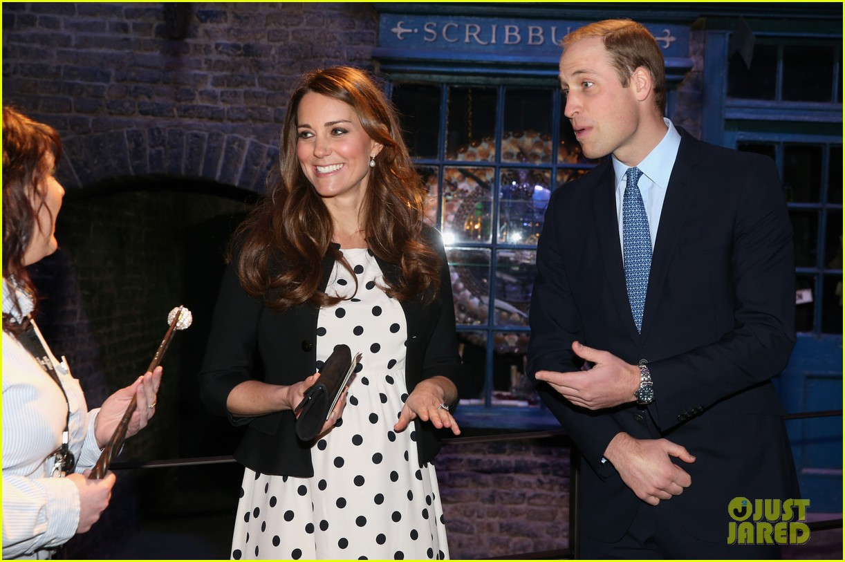 kate middleton prince william harry potter wand battle 06