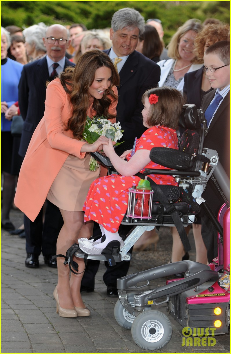 kate middleton visits naomi house speaks in recorded video 042860500