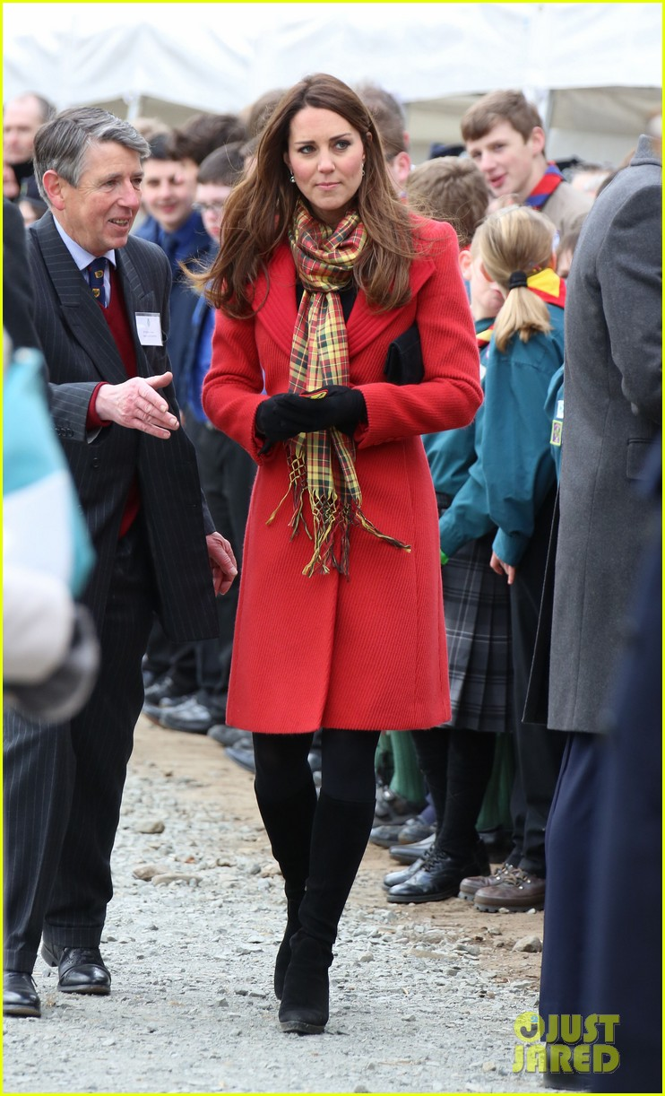 kate middleton pregnant tamar manoukian center opening 122843752