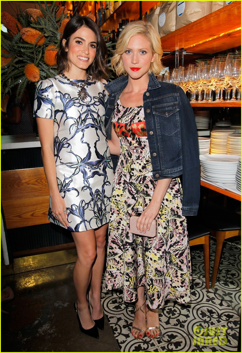 dianna agron olivia munn vogue triple threats dinner 072843797