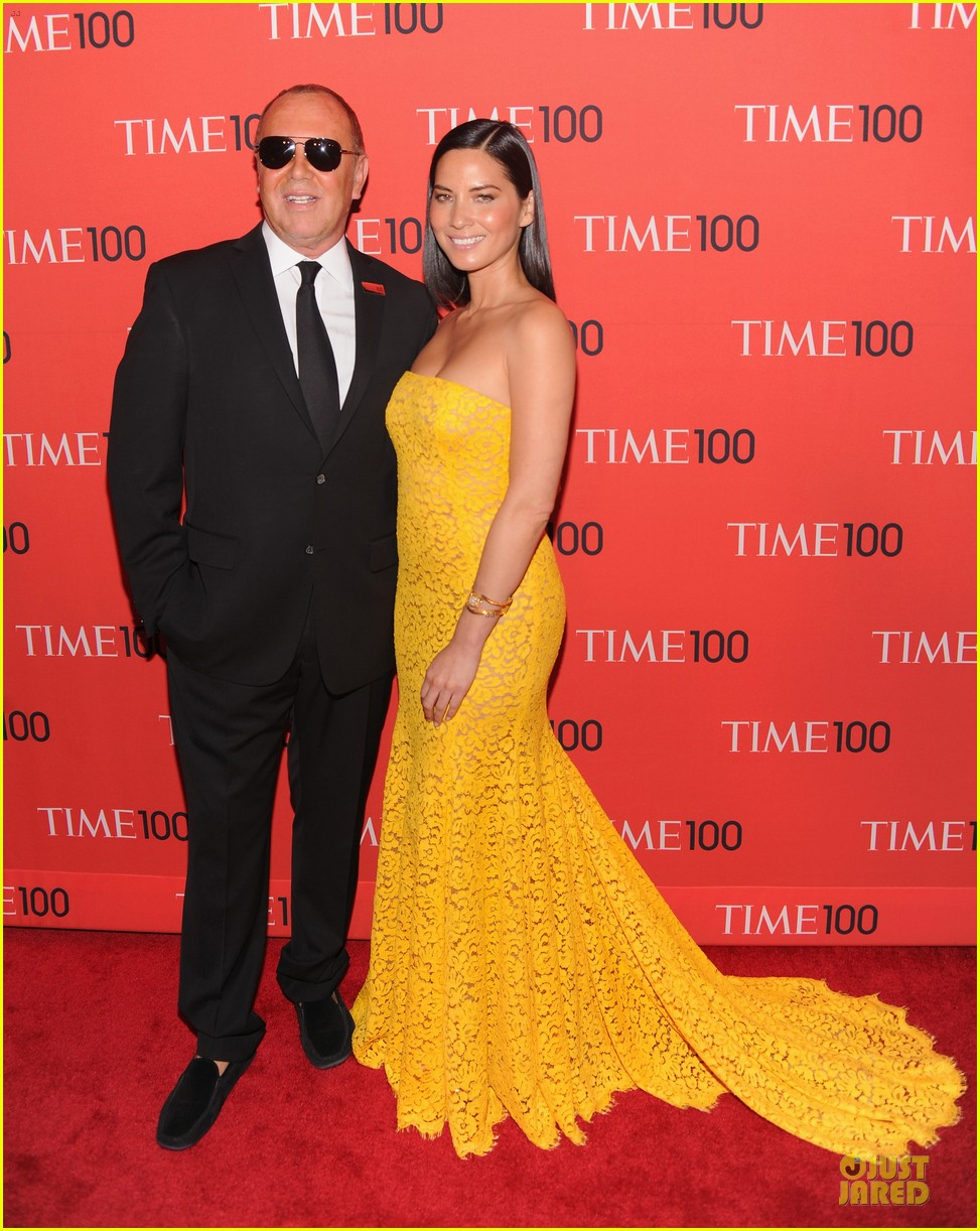olivia munn amy poehler time 100 gala red carpet 14