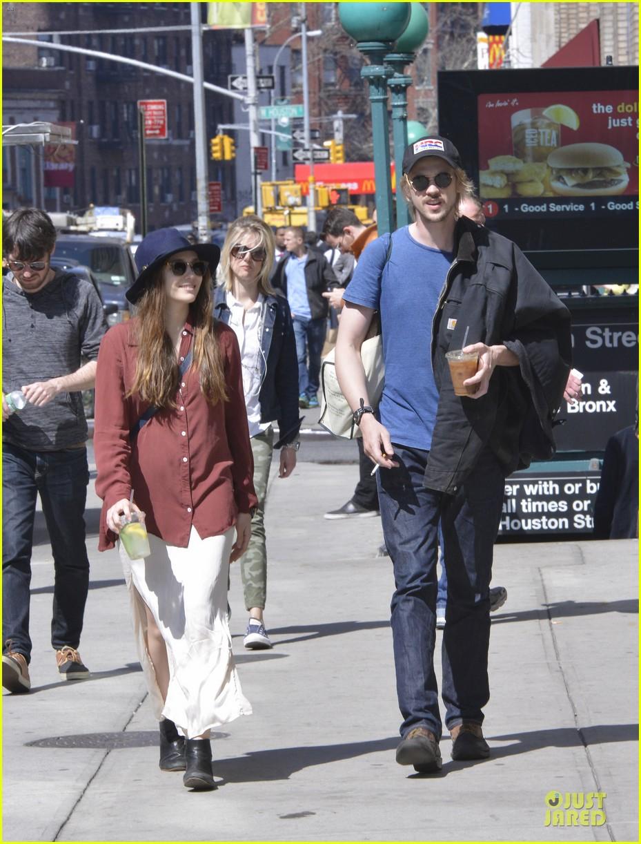 elizabeth olsen boyd holbrook soho strolling couple 10
