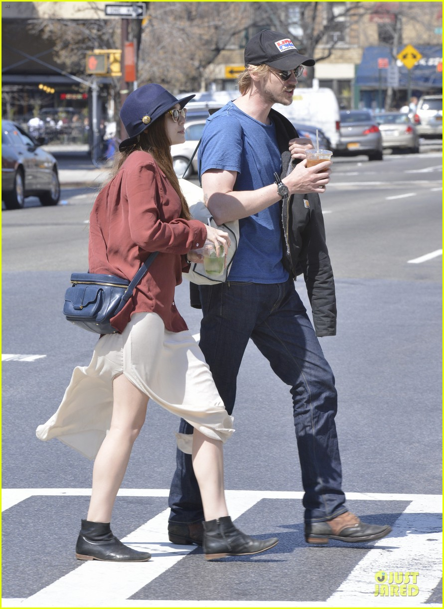 elizabeth olsen boyd holbrook soho strolling couple 19