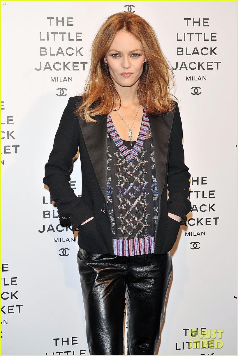 elizabeth olsen chanel little black jacket event 16