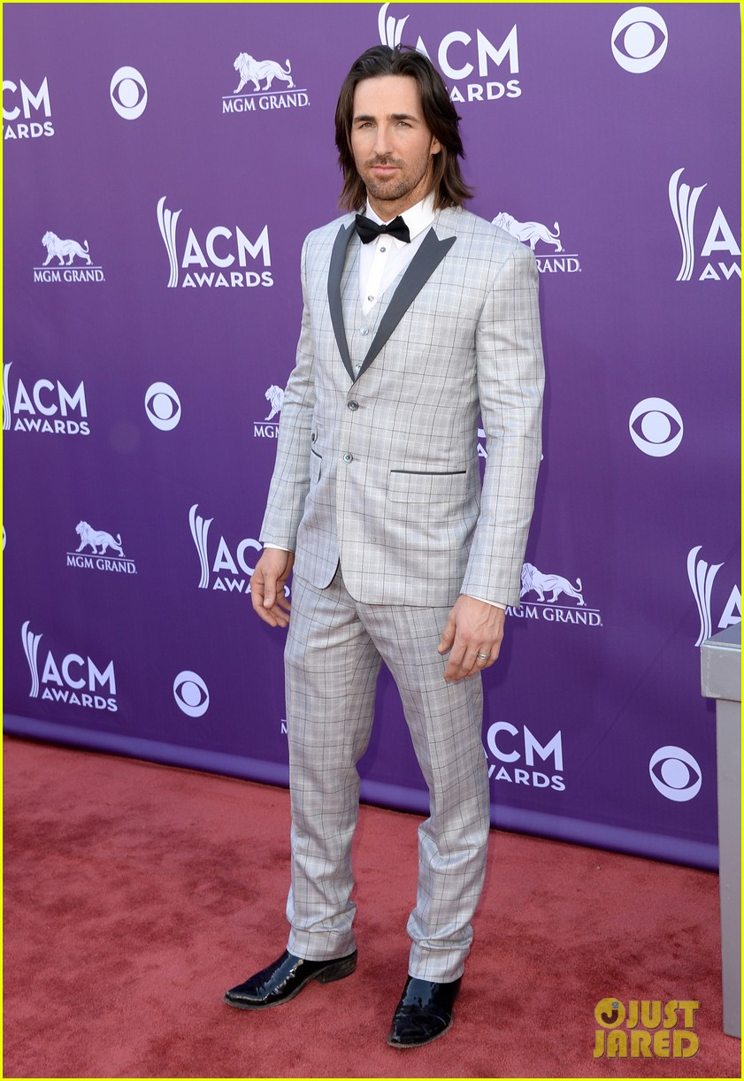 jake owen eric church acm awards 2013 red carpet 06