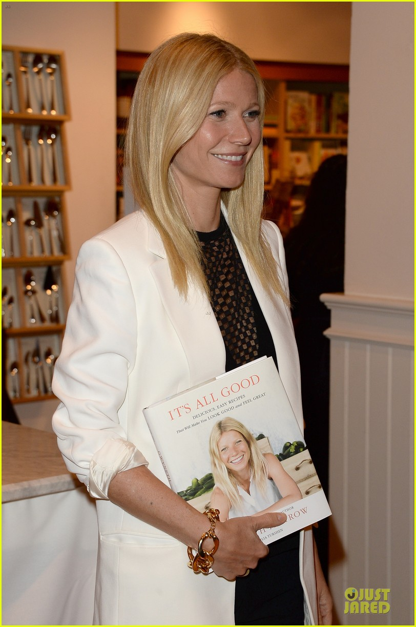 gwyneth paltrow my family came to book signing for the grove 15