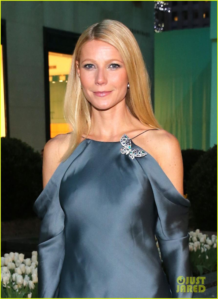gwyneth paltrow sarah jessica parker tiffany blue book gala 02