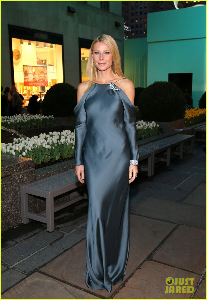 gwyneth paltrow sarah jessica parker tiffany blue book gala 112853043