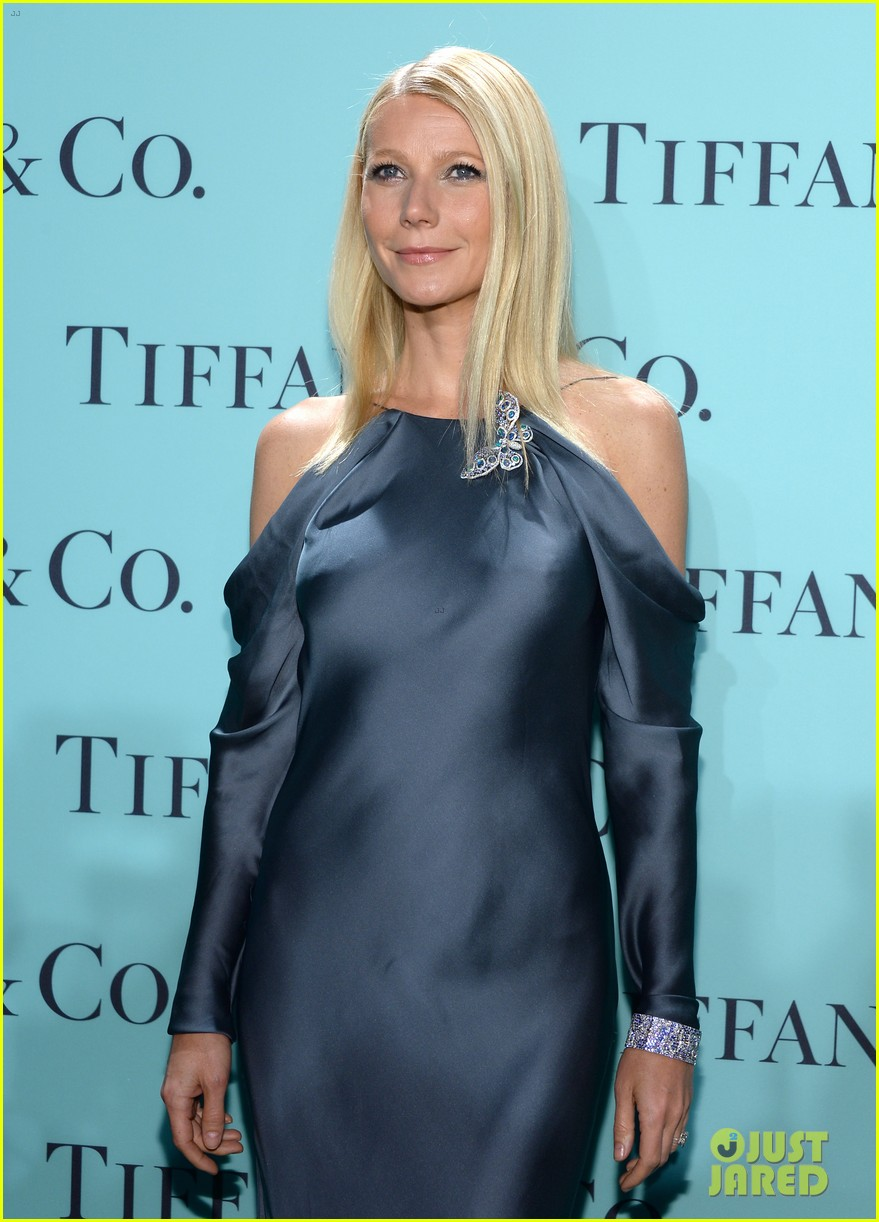 gwyneth paltrow sarah jessica parker tiffany blue book gala 16
