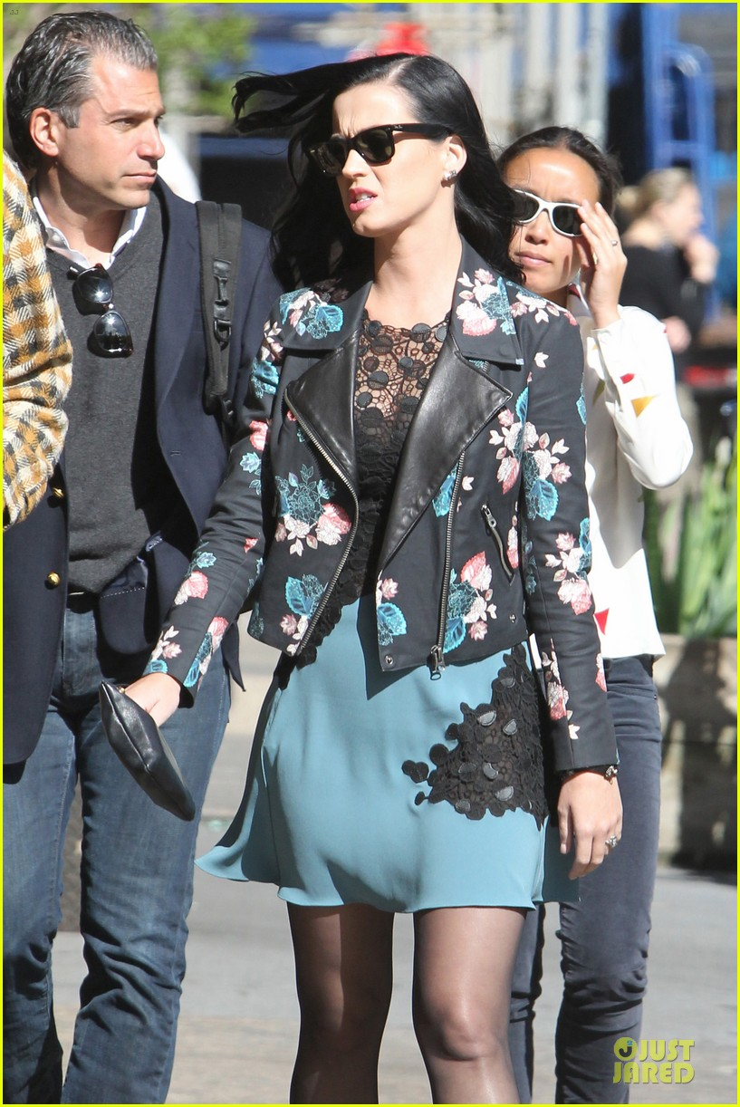 katy perry new york stroll with mystery man 11