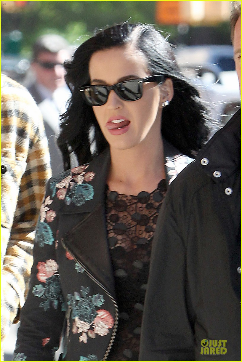 katy perry new york stroll with mystery man 122861386