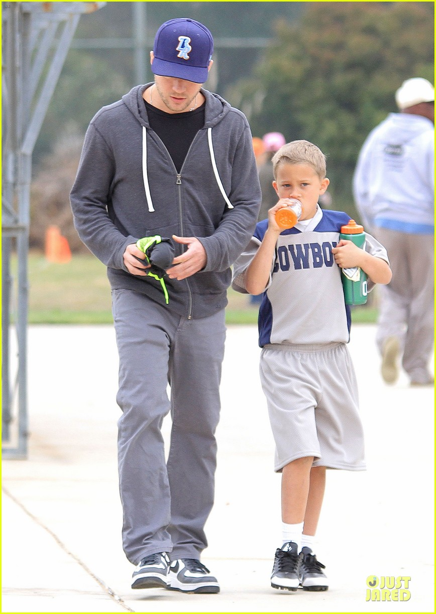 ryan phillippe cowboys soccer game with deacon 042849721