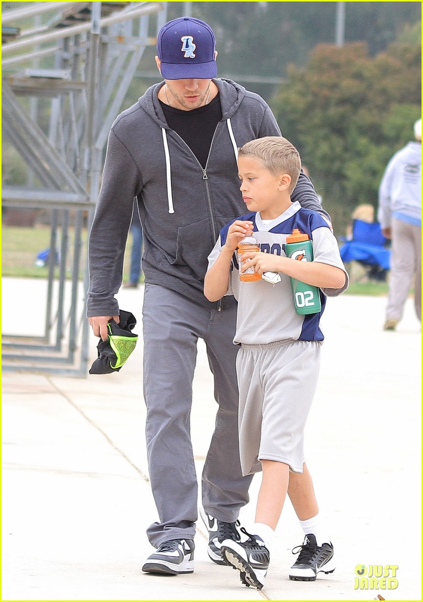 ryan phillippe cowboys soccer game with deacon 08