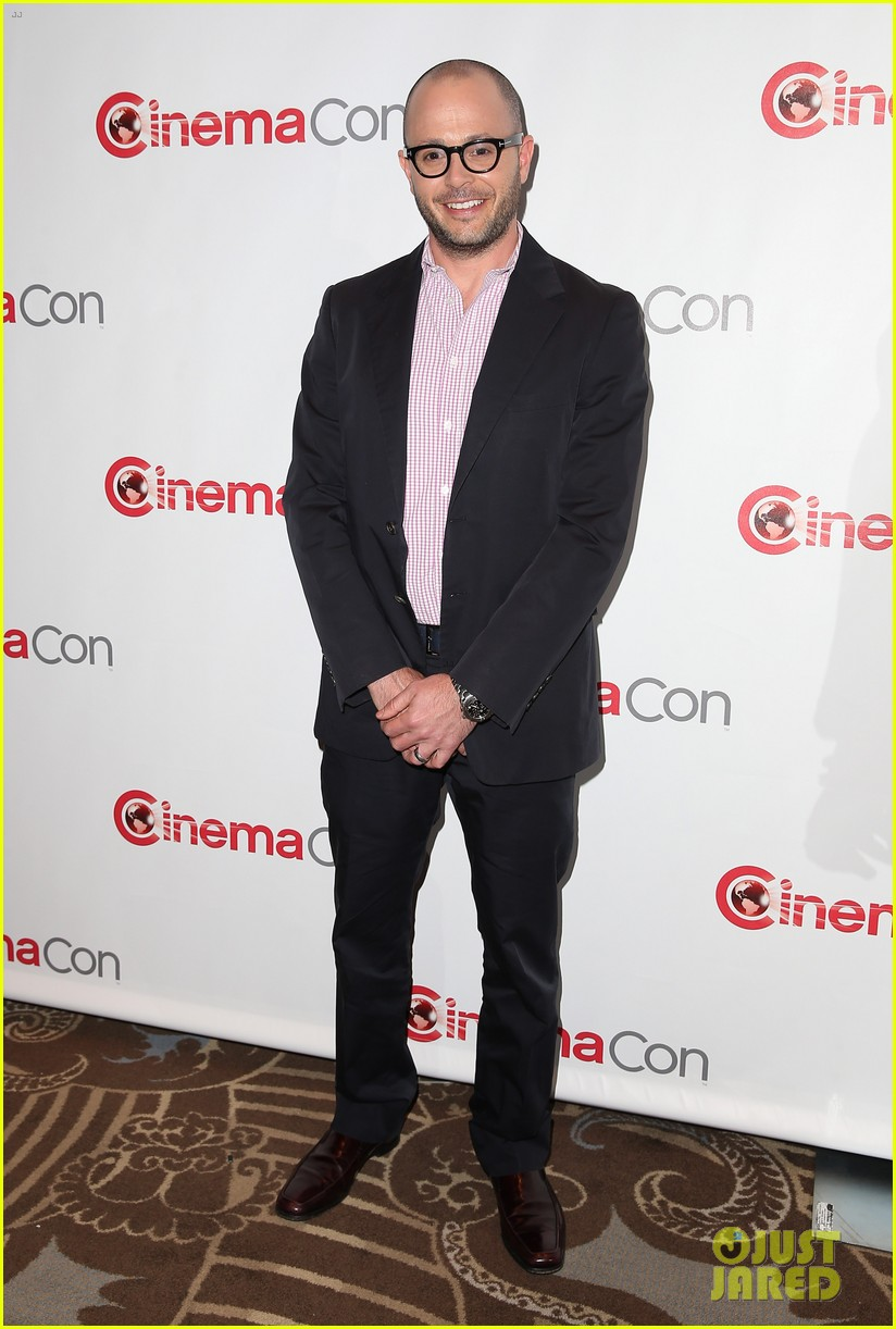 chris pine zachary quinto star trek at cinemacon 2013 20