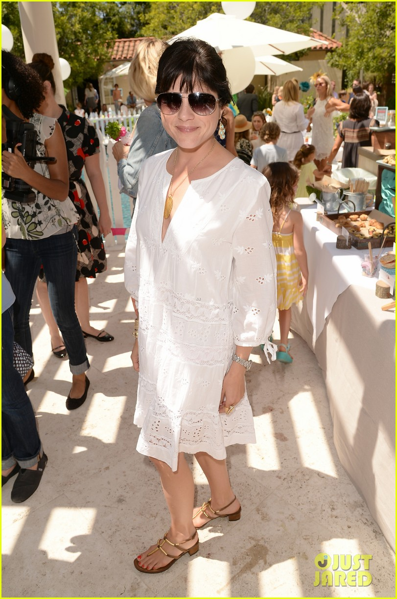 ellen pompeo eric dane mothers day garden party 07