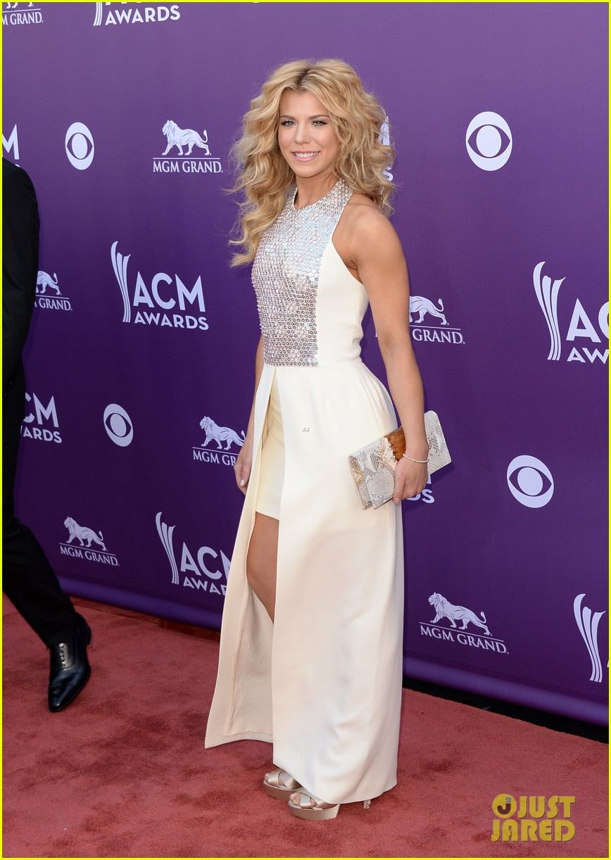 cassadee pope tori kelly acm awards 2013 red carpet 142845220