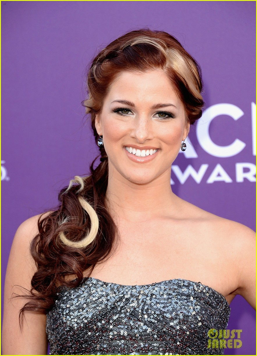 cassadee pope tori kelly acm awards 2013 red carpet 162845222